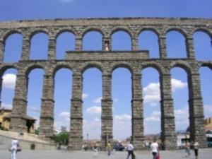 Акведук - незабываемое путешествие по Испании