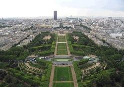 Лучшие места для встречи Нового года: на Елисейских полях (Париж)